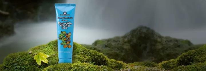 熊宝宝牙膏 - 蓝莓含氟青苹果