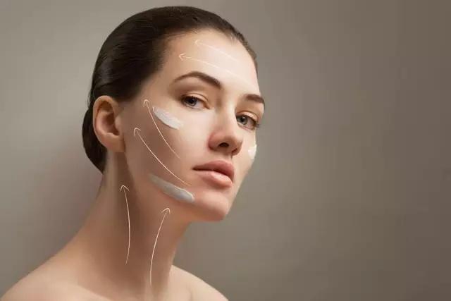 爱菲亚脸部磨砂膏