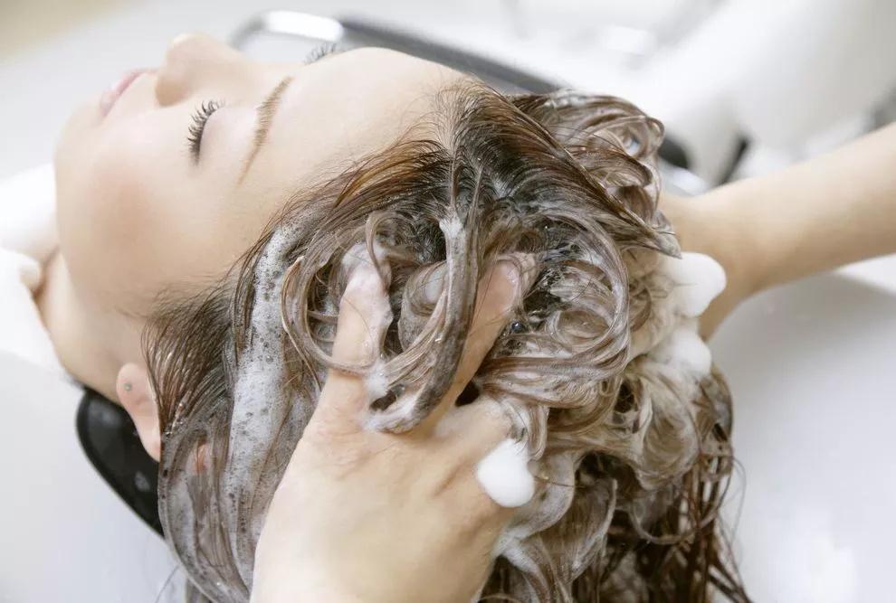 爱菲亚保湿洗发精、美乐家洗发精